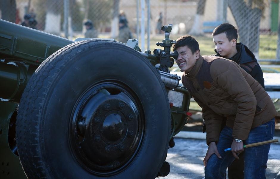 Войска Ташкентского военного округа приняли участие в военно-патриотическом фестивале молодежи в Алмалыке