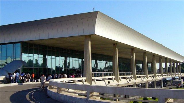 Корейские специалисты рекомендуют улучшить сервис для встречающих и провожающих лиц в аэропорту Ташкента