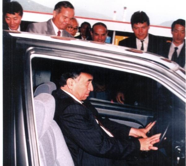 Ислам Каримов :«А ну-ка, Сайфулла Давирович, садитесь-ка, за руль этой машины!»