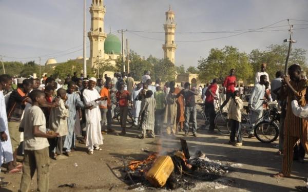 В Нигерии 12 человек погибли в результате  теракта рядом с лагерем беженцев