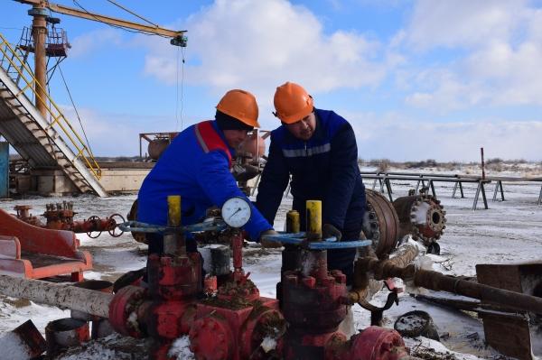 На плато Устюрт открыто новое месторождение газового конденсата (фото)