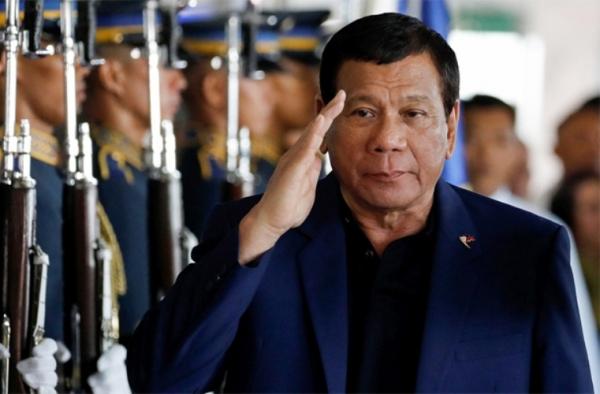 Филиппин президенти ҳарбийларга ўзини отишга рухсат берди