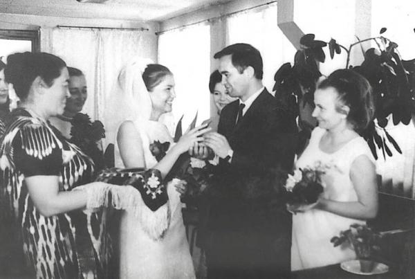 «Он сделал мне предложение накануне 8 марта» - Татьяна Каримова впервые рассказала о знакомстве и семейной жизни с Первым Президентом Узбекистана
