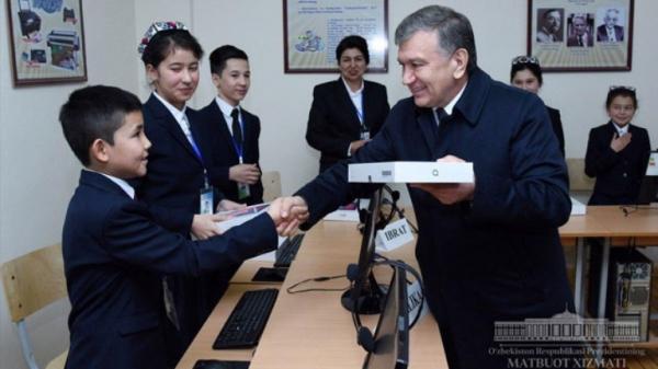 Президент Абдулла Орипов номидаги мактабга борди
