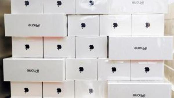 Экспертлар янги моделдаги iPhone қачон чиқарилиши мумкинлигини айтишди