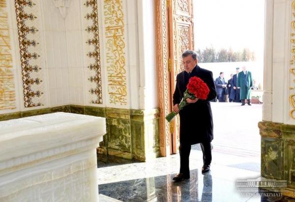Самарқанд шаҳрида Ислом Каримов мақбараси очилди