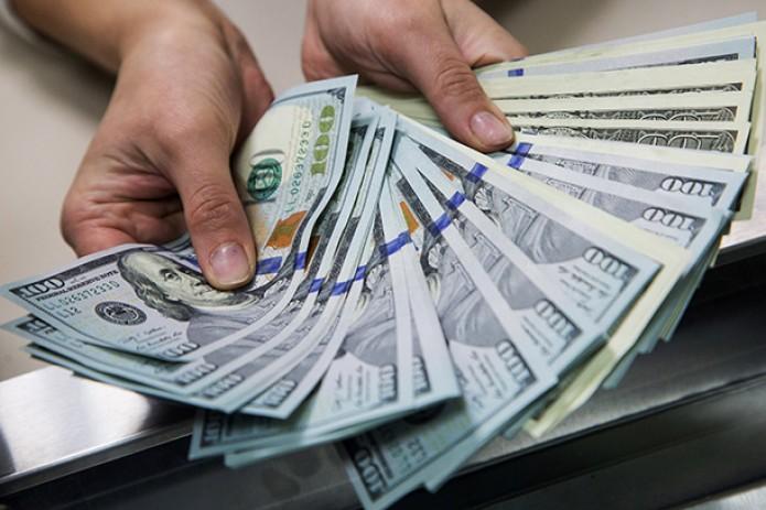 В Узбекистане утверждены новые правила ввоза и вывоза наличной иностранной валюты