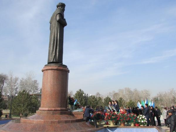 В Самарканде в день рождения Алишера Навои говорили о его поэтическом даровании, человеческих качествах, гуманизме