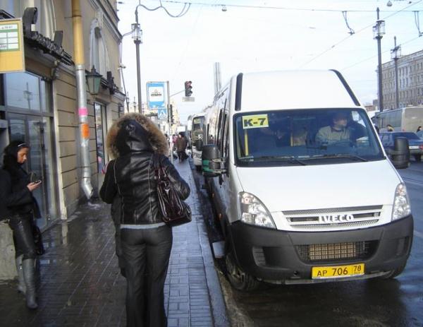 В Петербурге пассажир маршрутки до смерти избил водителя-узбека