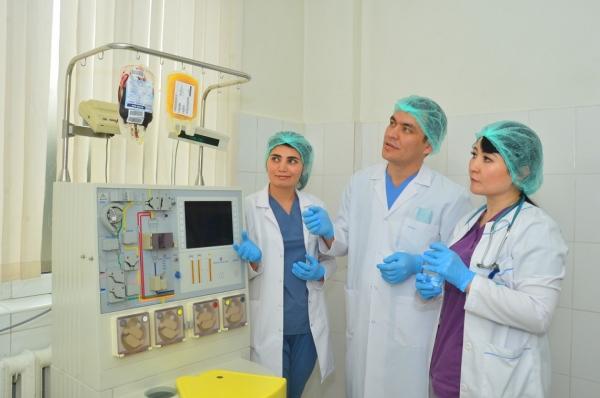 В Узбекистане впервые провели трансплантацию стволовых клеток крови