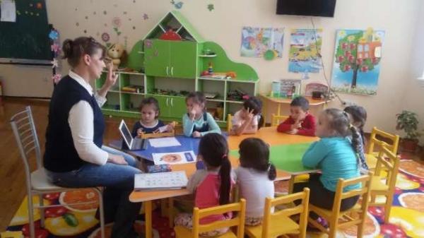 В Узбекистане повысят зарплаты работникам детских садов