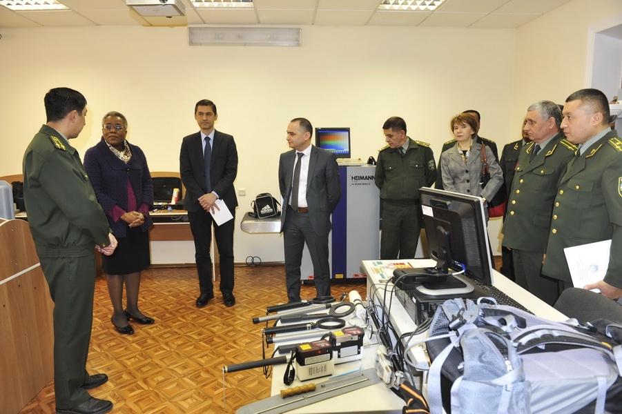 США помогают таможенникам Узбекистана в борьбе с общими угрозами