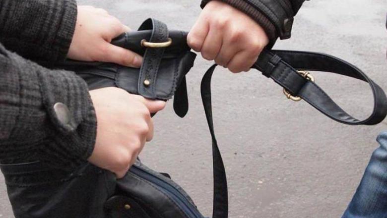 В Узбекистане грабитель украл у студента 300 000 сумов и телефон