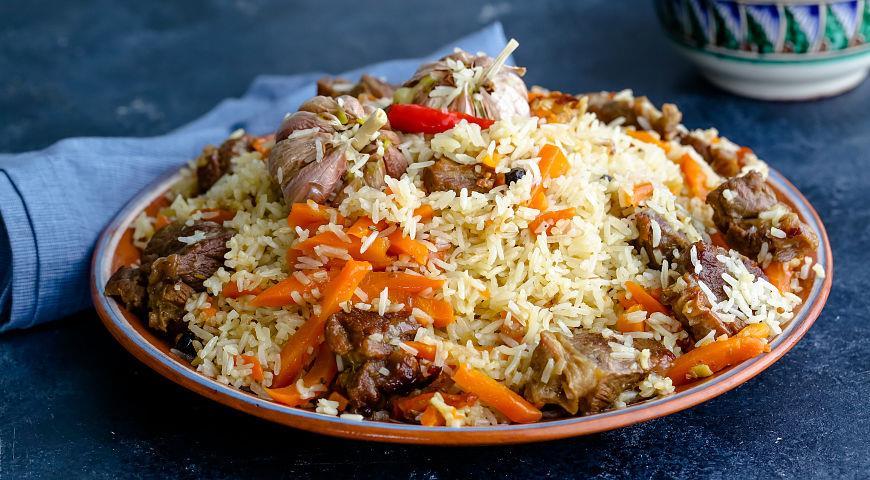 Узбекский плов занял первое место на Фестивале национальных блюд в Кувейте
