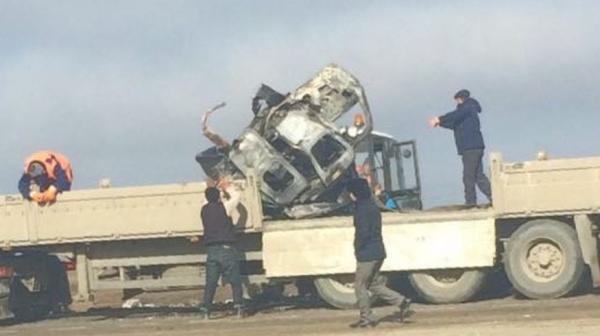 Шесть узбекистанцев погибли при столкновении автомобилей в Мангистауской области Казахстана