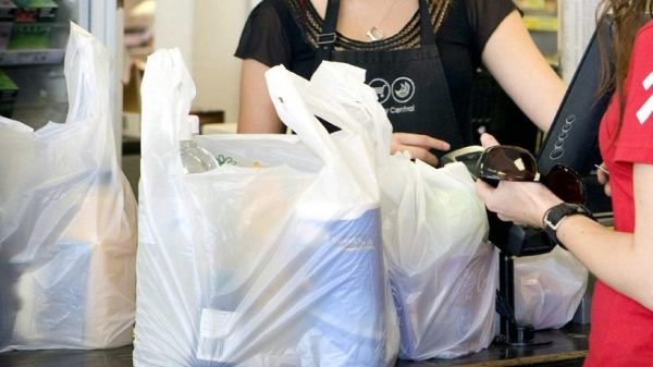 «Пакет брать будете?»: со следующего года в магазинах Узбекистана прекратят выдачу бесплатных пакетов