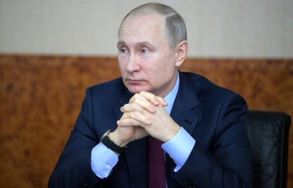 Путин ўзи бўлган вертолёт Чеченистонда ўққа тутилганини эслади