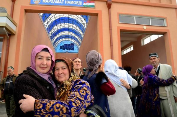Гражданам Таджикистана официально разрешили посещать Узбекистан без визы с 16 марта
