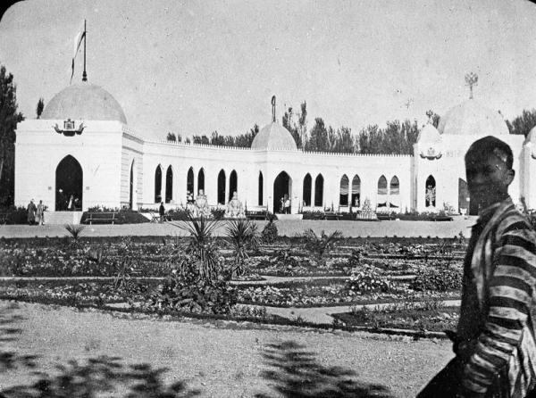 Ташкентские кустари-ремесленники на Туркестанской выставке 1886 года