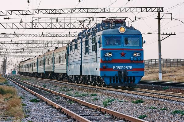 Гражданка Узбекистана попала под поезд на казахской станции Карабас