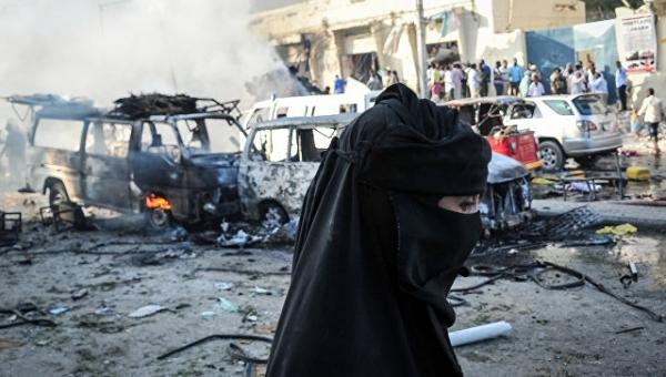 При взрыве рядом с парламентом Сомали погибли минимум пять человек