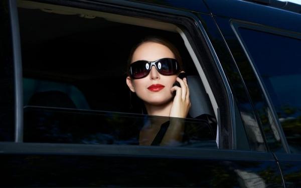 В УБДД разъяснили, кого будут штрафовать за тонировку стекол автомобилей