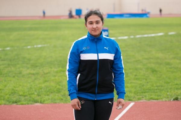 17-летняя легкоатлетка установила новый рекорд Узбекистана в метании молота