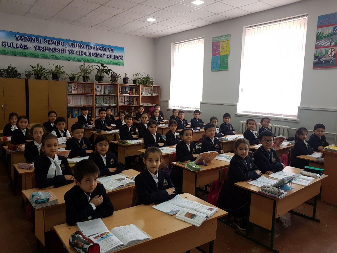 В школах Узбекистана начали тестировать новую школьную форму (фото)