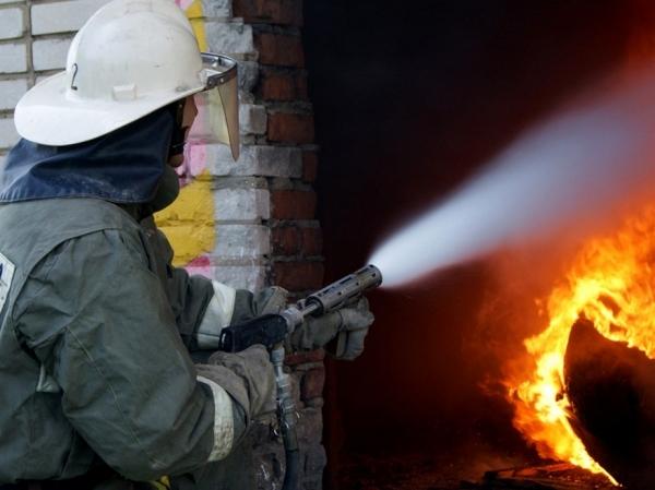 Пожар на «Кизилкумцементе»: двое работников предприятия госпитализированы