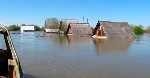 Волгоград вилояти сув остида қолмоқда (видео)