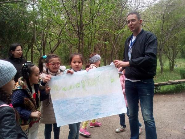 Международный день птиц отметили в Ташкентском ботаническом саду