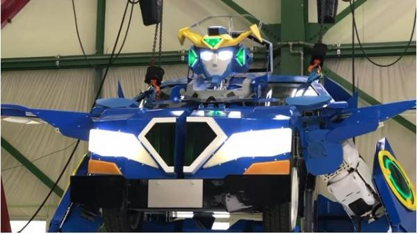 Японлар автомобилга айлана олувчи робот яратишди (видео)