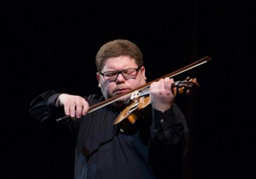 Илья Коновалов сыграет для ташкентцев на скрипке Страдивари