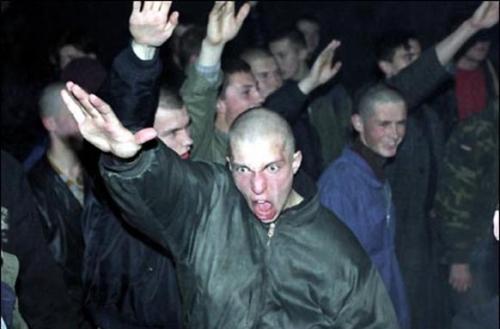 Присяжные в Петербурге признали банду скинхедов виновными в убийстве гражданина Узбекистана