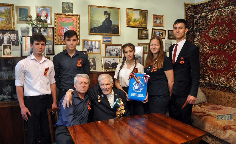 В РЦНК в Ташкенте прошла патриотическая акция «Поздравь ветерана»