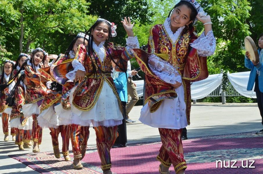 Фестиваль национальных блюд: от таджикского плова до американского барбекю-бургера