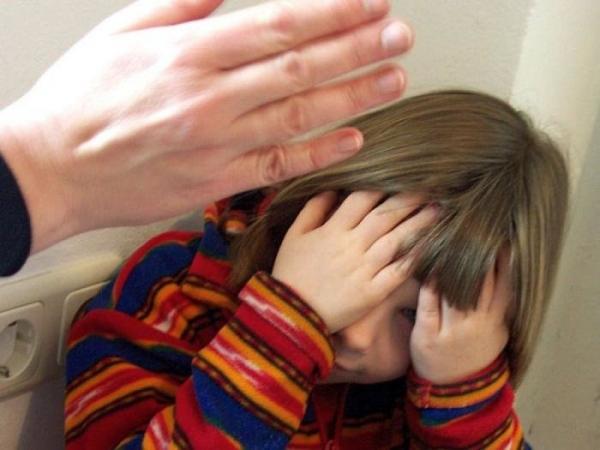 В Самарканде няня до смерти истязала 6-летнюю девочку (видео)