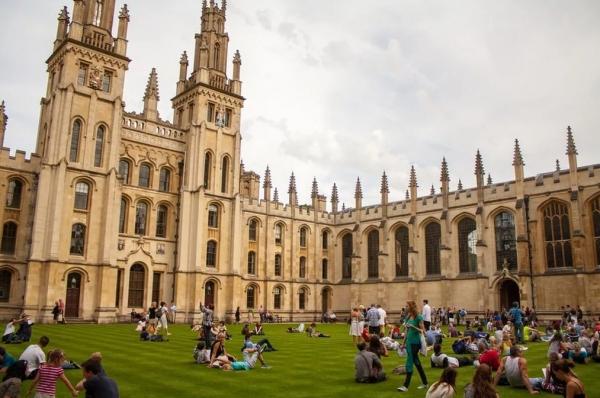 Стипендия Родса для обучения в Оксфорде стала доступна для студентов из Узбекистана