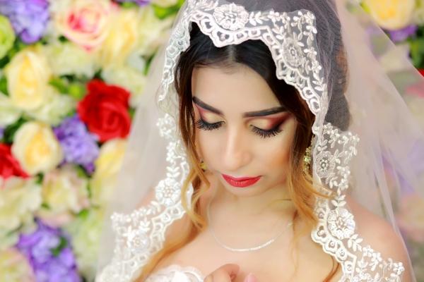 Будь в тренде: свадебные тенденции в макияже 2018 года