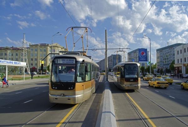 В Самарканде появились пластиковые карты для оплаты проезда в автобусах и трамваях