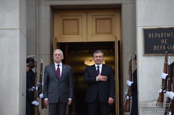 Шавкат Мирзиёев провел переговоры в Пентагоне и посетил Капитолий