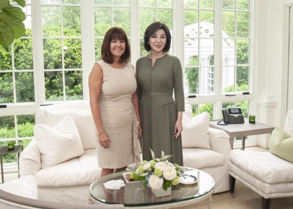 Первую леди Узбекистана в Вашингтоне сопровождала не Мелания Трамп, а супруга вице-президента