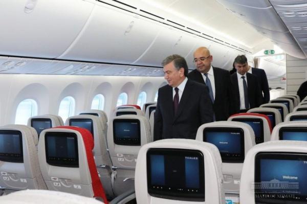 Президент осмотрел новый Dreamliner