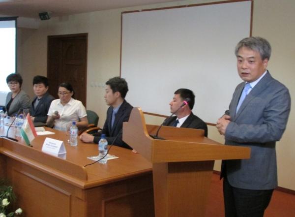 Корейские специалисты ознакомили самаркандских врачей с  современными технологиями в хирургии