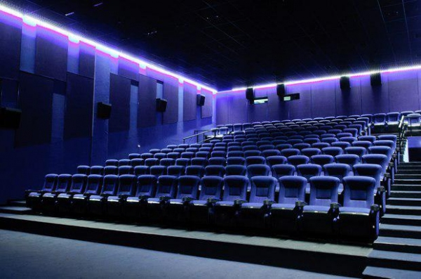 До конца следующего года в стране построят десятки новых кинотеатров