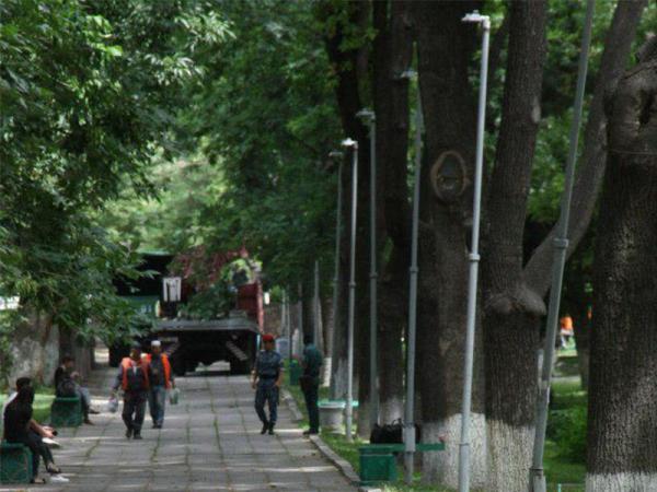 Сквер возле «Голубых куполов» обновляется перед детским шахматным турниром