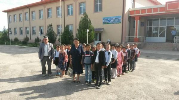 В Кашкадарье занятия у 37 школьников проходили в возведенной на скорую руку постройке