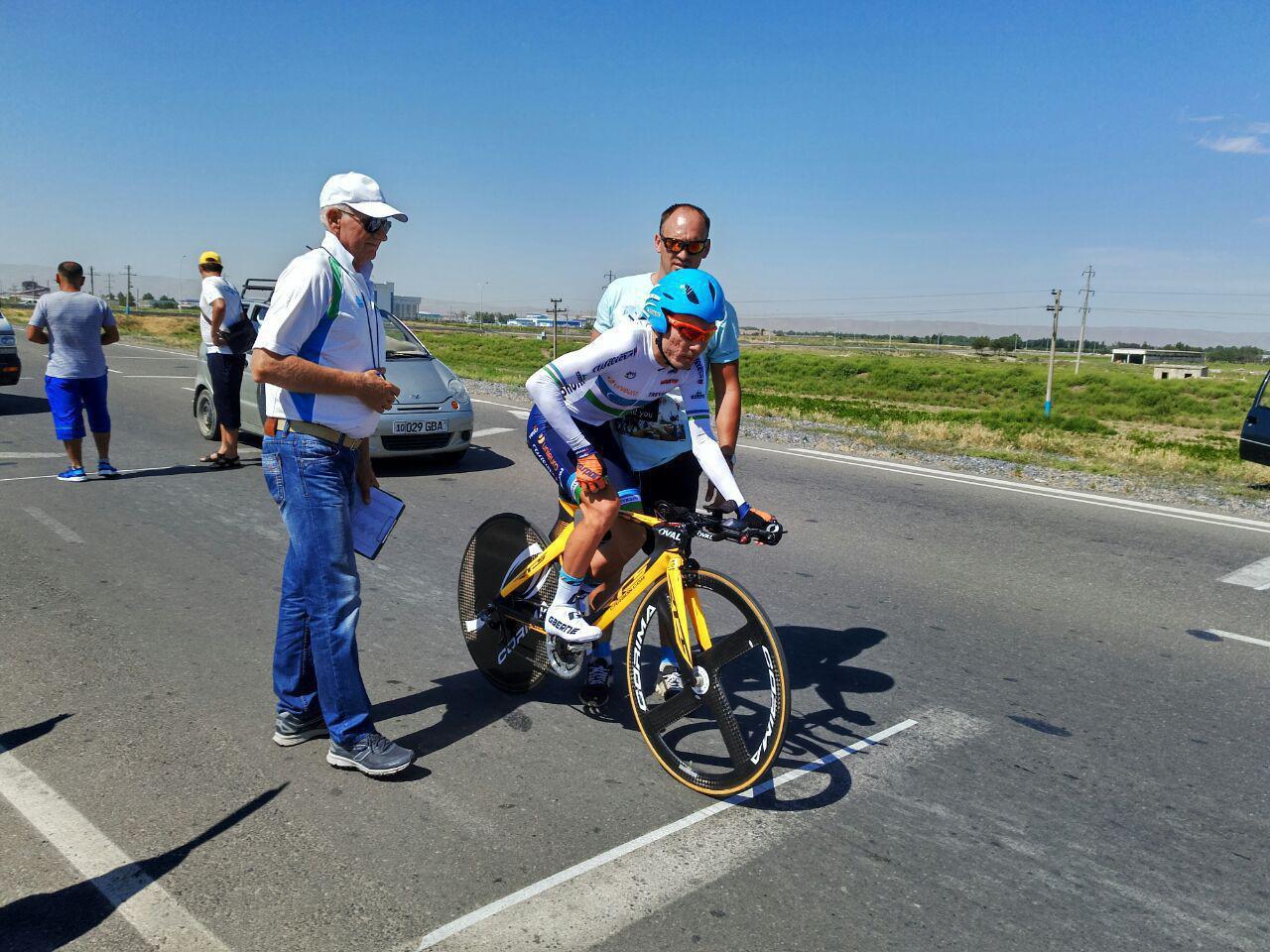 В Узбекистане стартовал Чемпионат по велоспорту на шоссе
