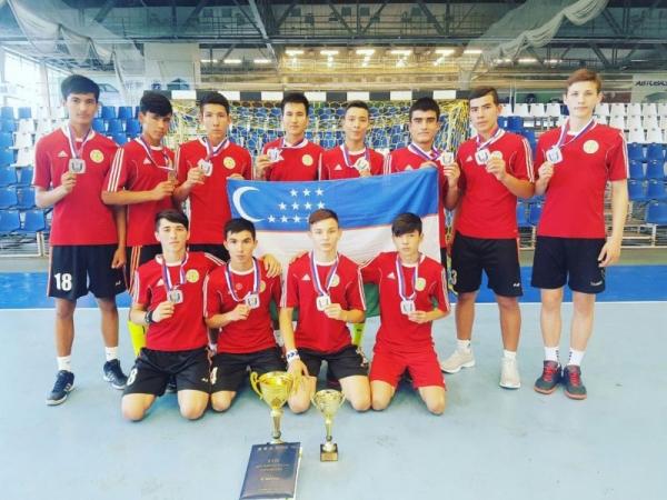 Молодежная команда по гандболу заняла второе место на турнире в Тольятти