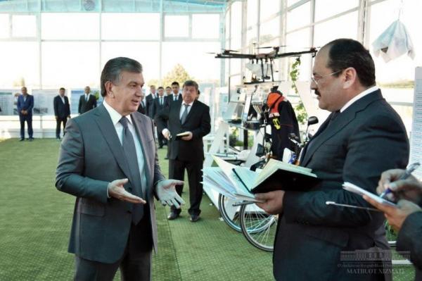 «Моя главная цель - сделать людей богатыми!»: опубликован ролик о поездке Президента в Фергану (видео)